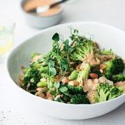 Постный салат из брокколи и запеченный лосось: рецепты красоты