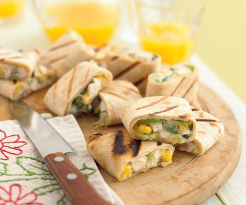 Фуршет: рецепты для детей. Овощные палочки и тортилья с курицей