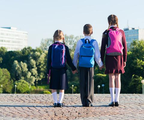 Где купить школьную форму и как выбрать школьный рюкзак