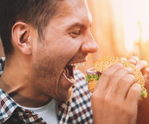 Как остаться без зубов: 10 продуктов и блюд, которые разрушают зубы