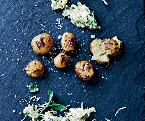 Как запекать картошку целиком с румяной корочкой
