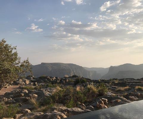 Оман: горы, море, пустыня, черепахи и изумрудные ущелья