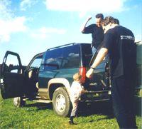 Никита (КАТЕРина): Дайте клаксон. Хочу подудеть! Мужчины: Мальчик, мальчик, куда?! ты же машину сейчас завалишь...