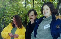 Дора с мужем и Ленка