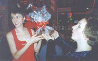 КАТЕРина вручает подарок Огневушке