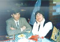 Женя Пайсон с мужем, судя по их тарелкам, привыкли довольствоваться малым ;)