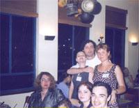 верхний ряд:  Галчонок в обнимку с муженм, anchik; нижний ряд: Инна, голова Шаронки (дочки Наны), Нанa с мужем