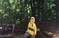 'Вижу цель!' Васильковый деть, на заднем плане - Ильда, побеждающая шашлык