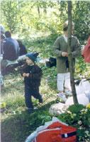 Cater suffruticosa или КАТЕР древо-видный :) и Никита с подушечкой 'взрослого' 'Орбита'