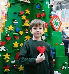 "Фотоконкурс ""Наряди елку с LEGO"""