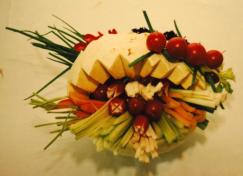 Фуршетная корзина с овощами