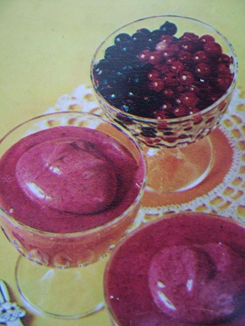 Мусс из свежих или замороженных ягод