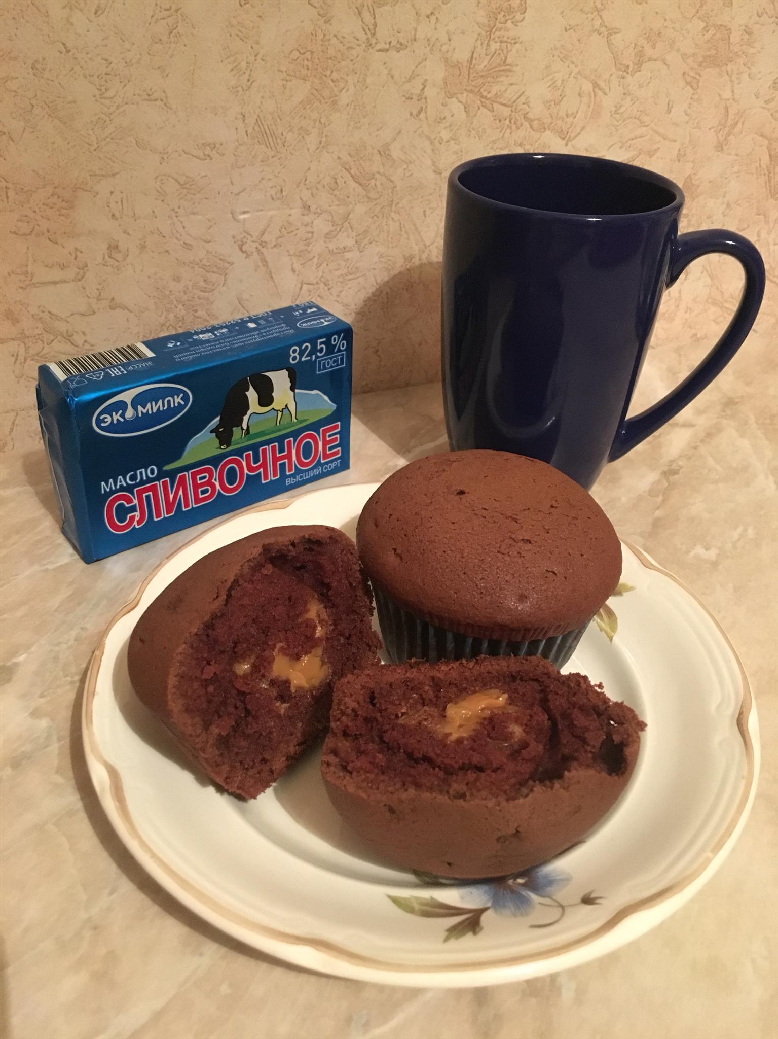 Шоколадный маффин с секретиком