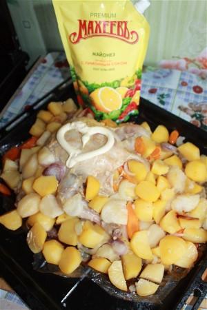 Курица, запечнная с овощами в рукаве