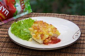 Курица в «шубке» с кетчупом и сыром