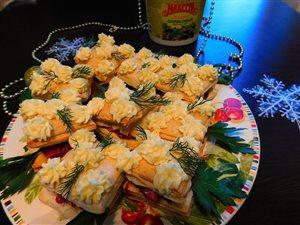 Закусочные пирожные с сельдью