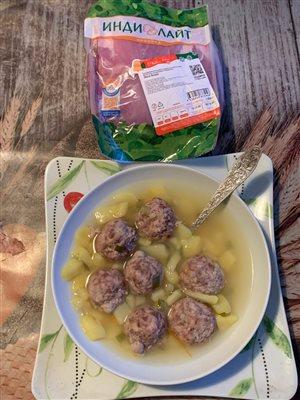 Картофельный суп с фрикадельками из индейки.