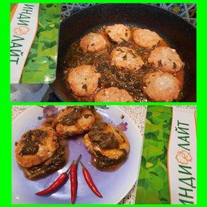 Котлетки из индейки с геркулесом в шпинатно-томатной подливе.