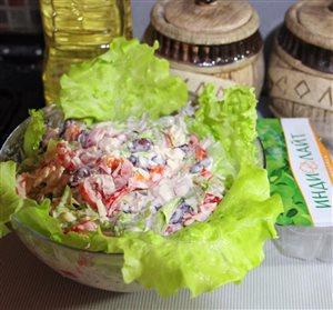 Салат с индейкой 'Индилайт' с фасолью и перцем