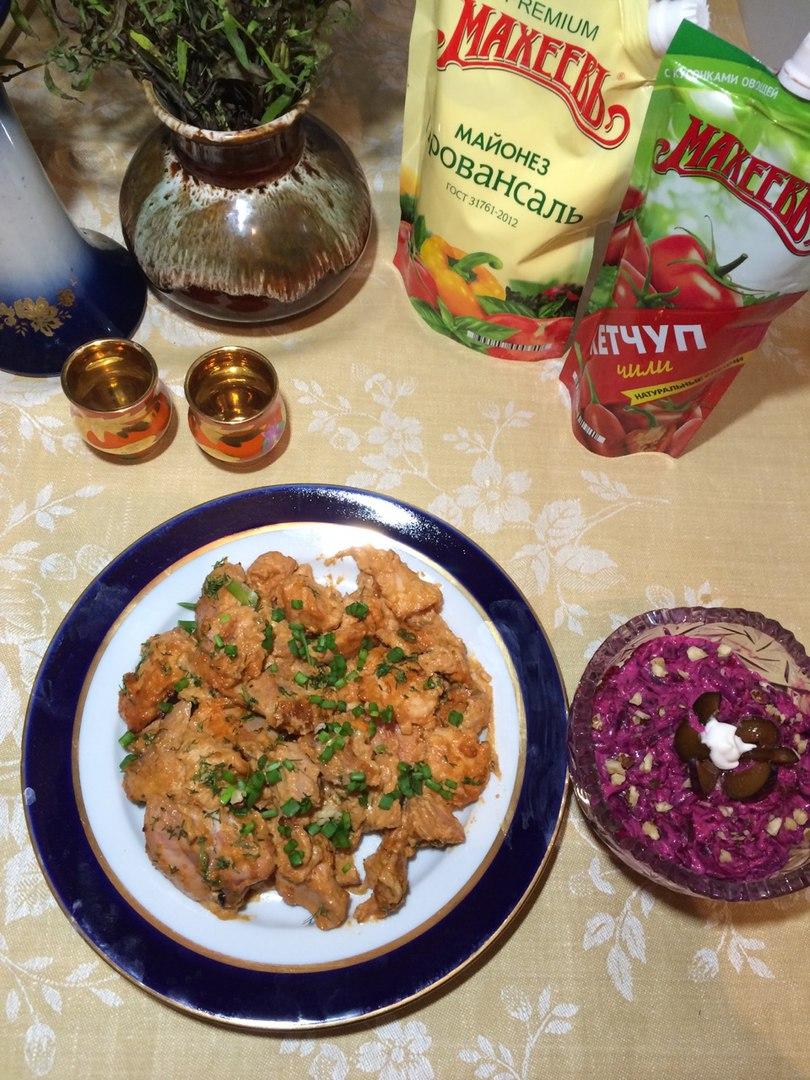 Запеченная курица с майонезом и кетчупом