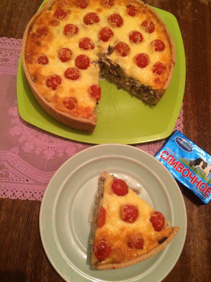 Итальянский пирог с курицей,сливками и помидорами Черри