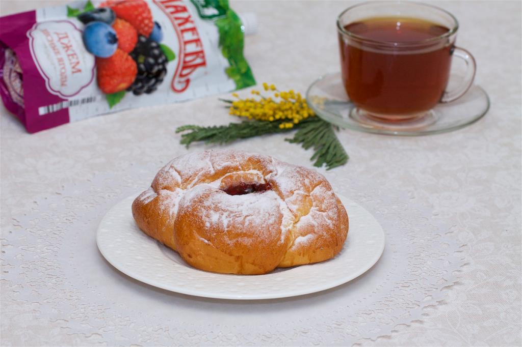 Сдобные булочки с джемом ТМ МахеевЪ