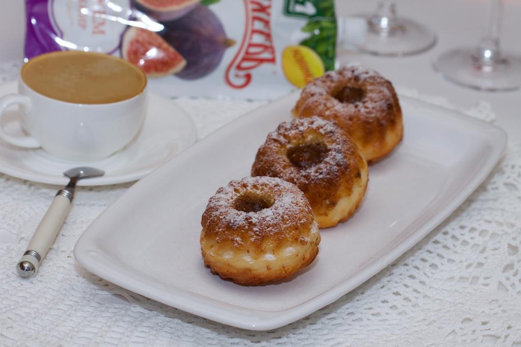 Пирожные с инжирным джемом ТМ МахеевЪ