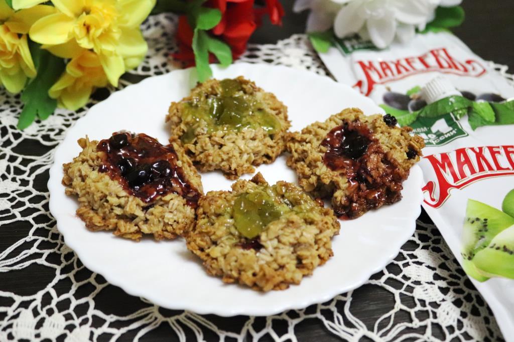 Овсяное печенье с джемом МахеевЪ 8 марта