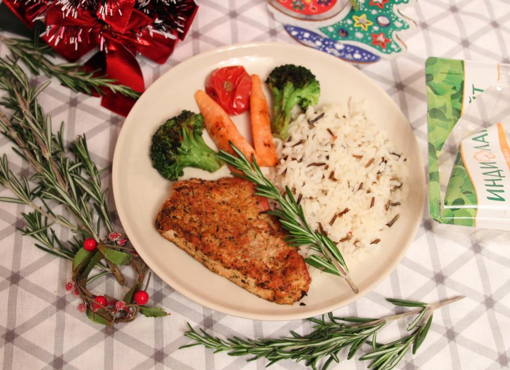 Стейки индейки Индилайт в травах с овощами на гриле и рисом