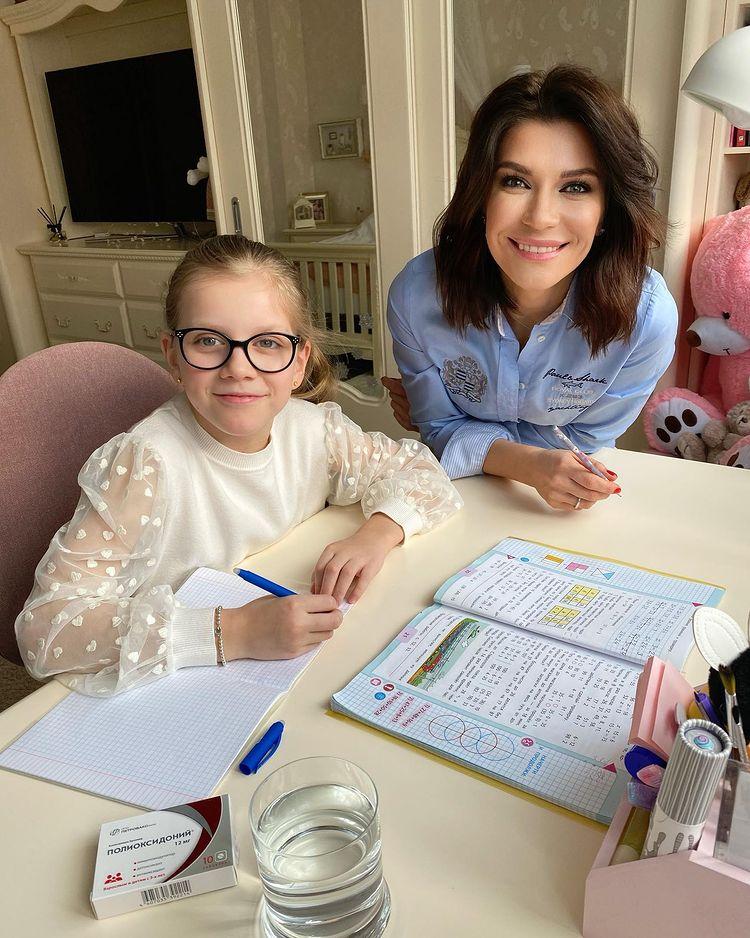 Екатерина Волкова с дочкой: как уберечь школьников от коронавируса