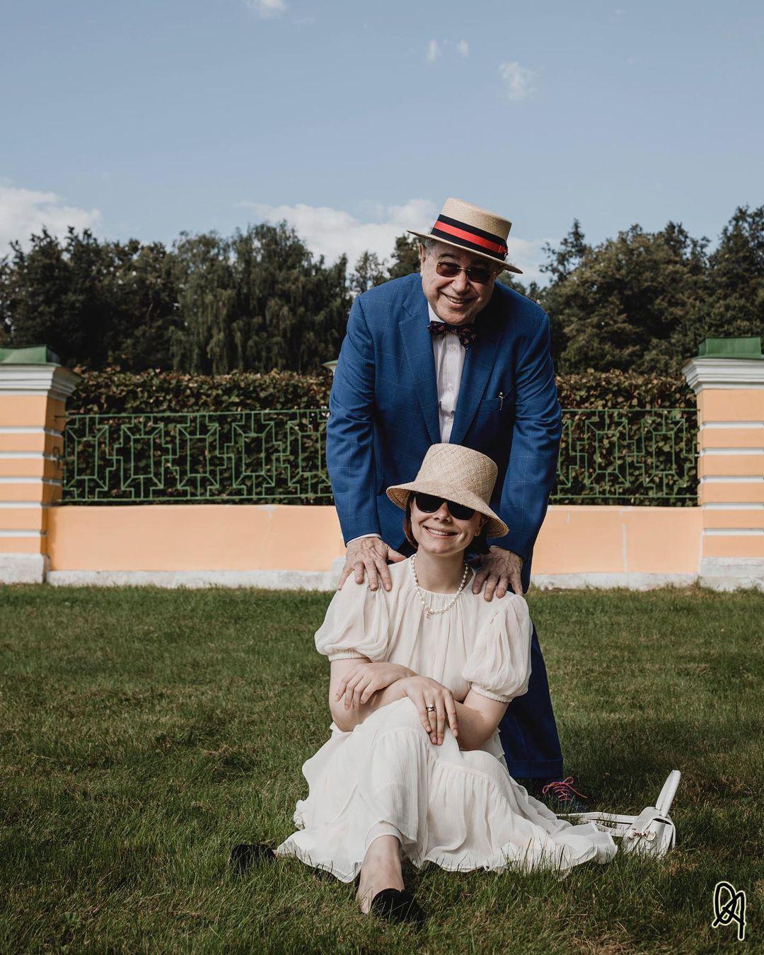 Евгений Петросян жена Брухунова