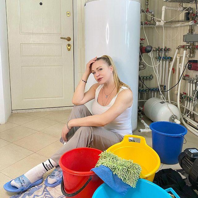 Алла Довлатова пережила потоп: 'Трудно бабе без мужика, хоть и с интуицией'