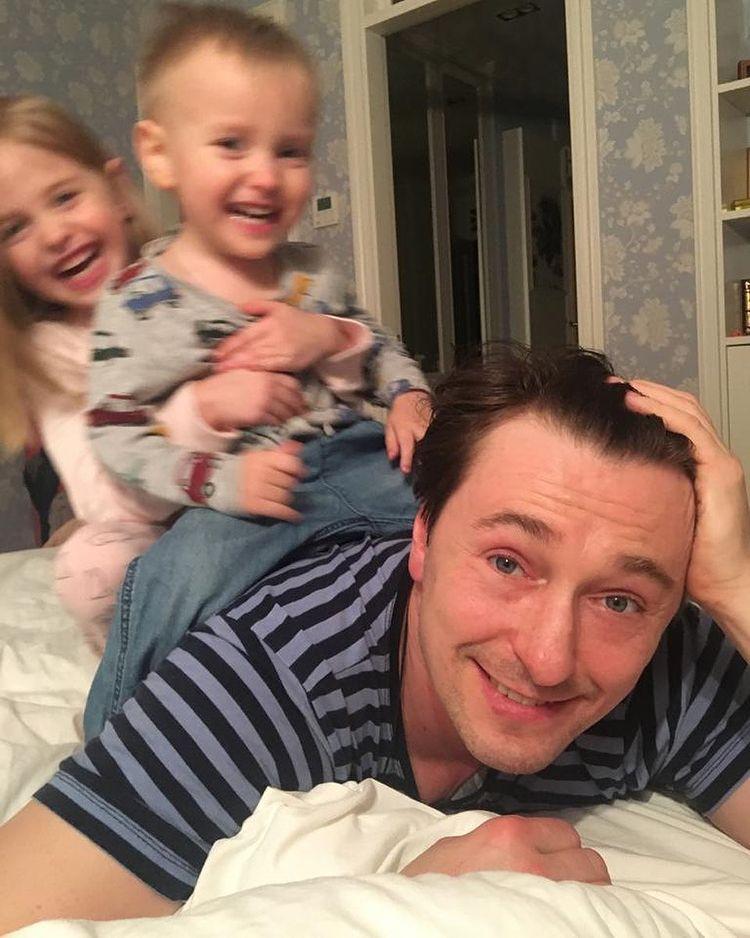 Cергей Безруков с детьми и в очках Лепса: 'Две сладкие таблеточки'