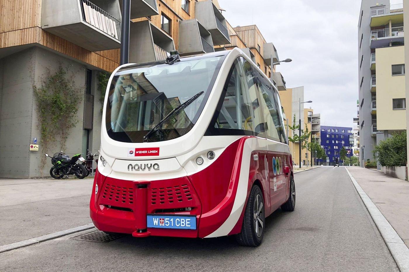 Беспилотный автобус в Aspern Seestadt