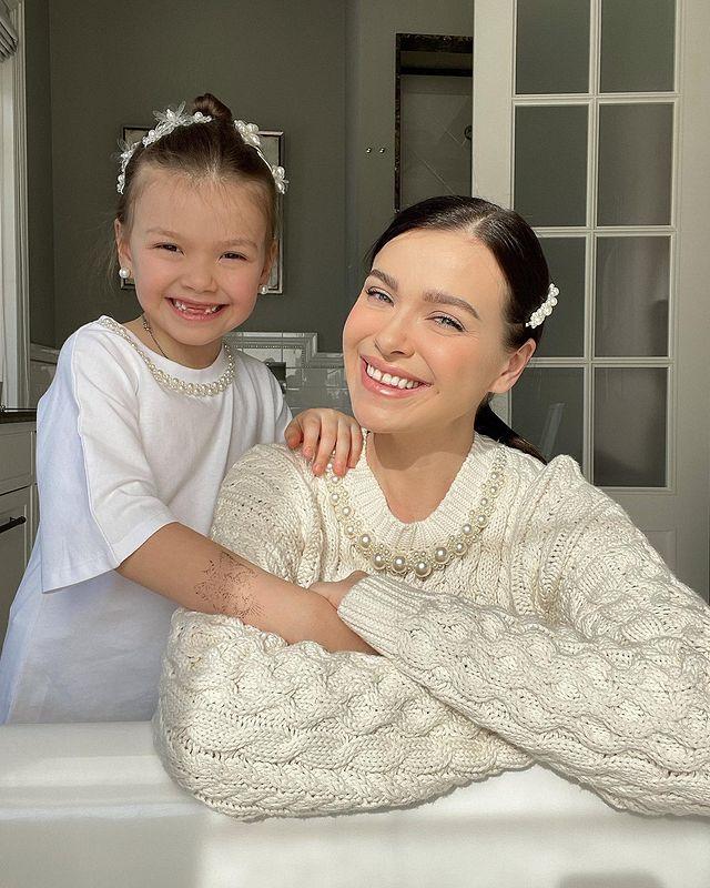 Елена Темникова дочь Саша
