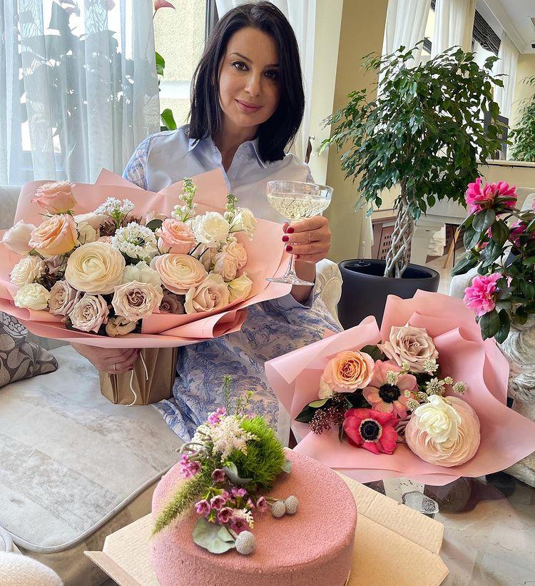 Екатерина Стриженова: первый день рождения без мамы