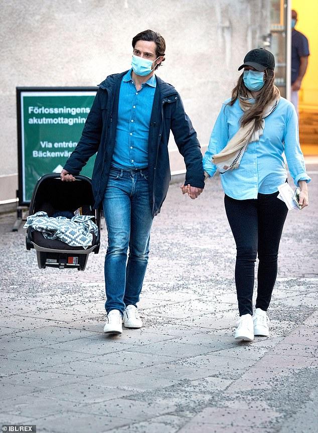 Принц Швеции Карл Филипп жена третий ребенок