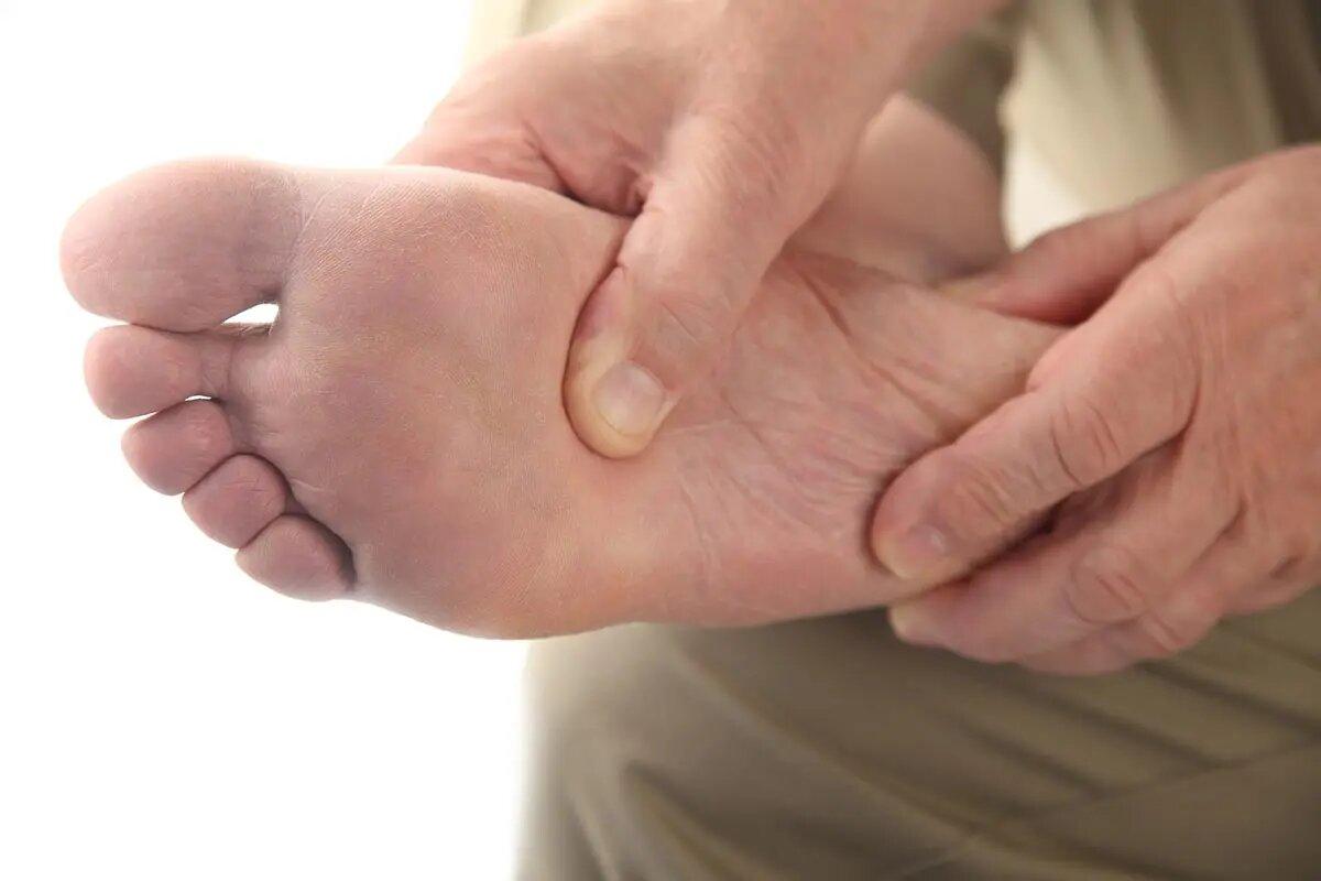 Обследование кожи и ногтей