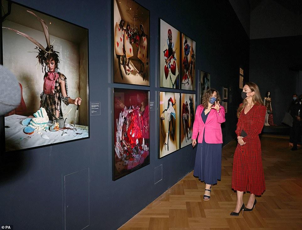 Кейт Миддлтон в музее V&A
