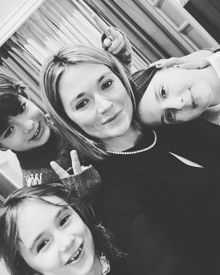 Надежда Михалкова с детьми