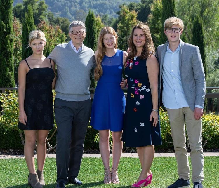 Билл, Мелинда Гейтс и дети
