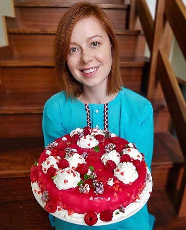 Юлия Савичева торты