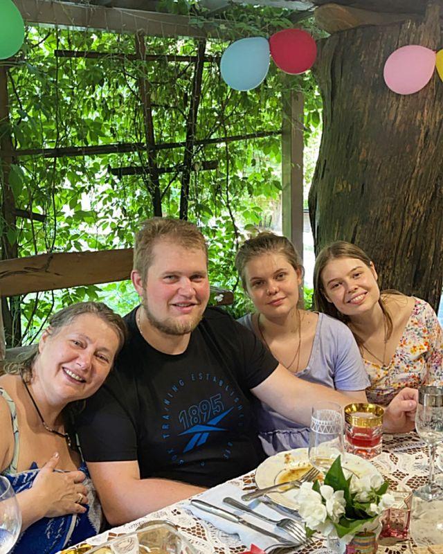 Виктория Цыганова сестра Светлана