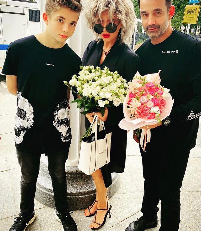 Дмитрий Певцов и Ольга Дроздова с сыном: 'Зачем она всегда очки на нос, глаза на лоб?'