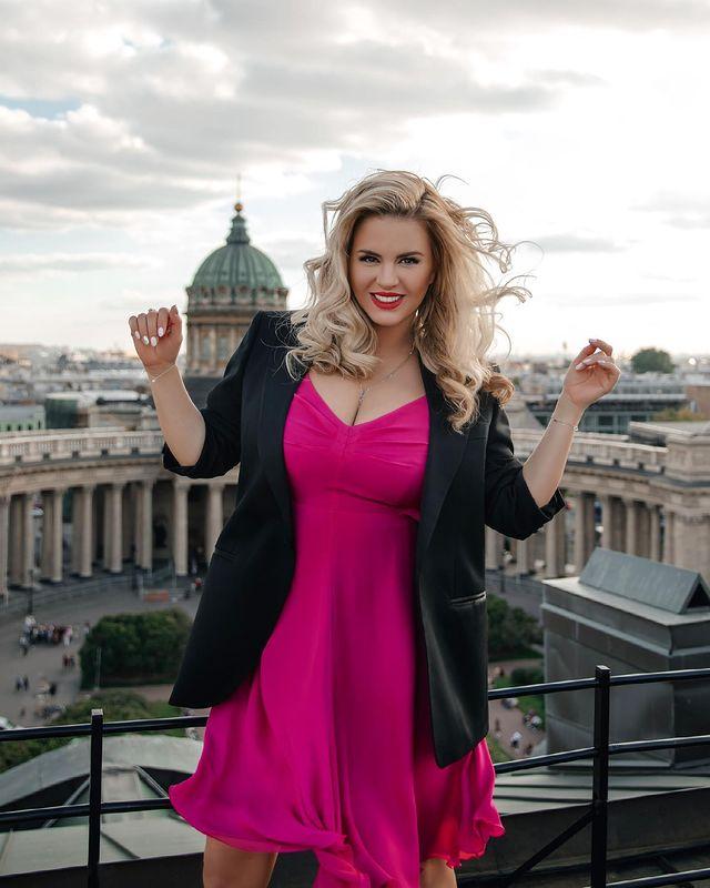 41-летняя Анна Семенович: 'Женщина должна быть счастливой, а не удобной'