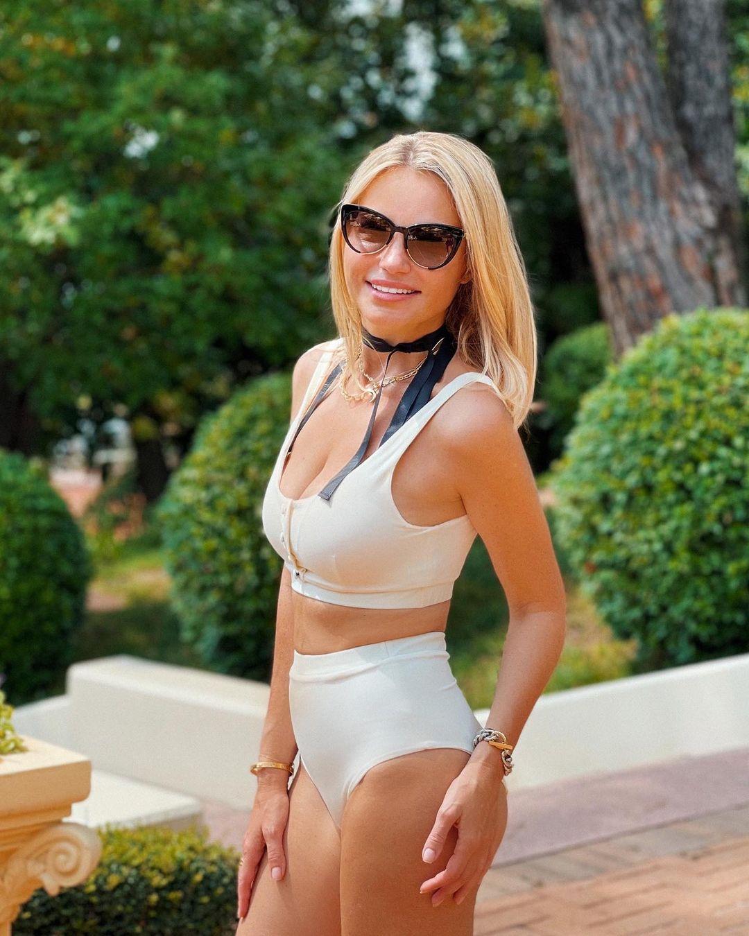 Инна Маликова в купальнике