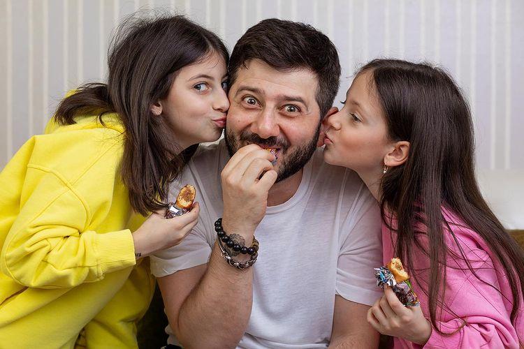Михаил Галустян дети