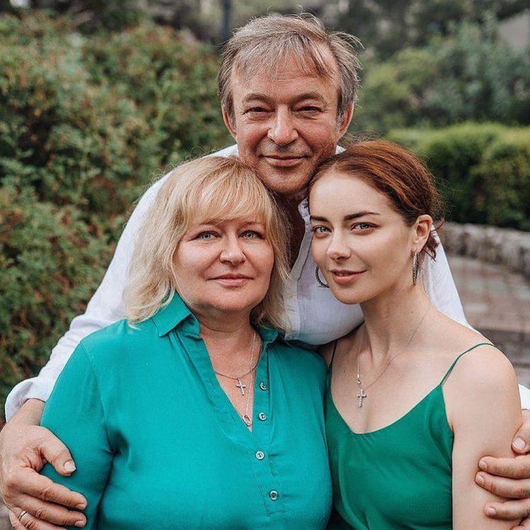Марина Александрова семья
