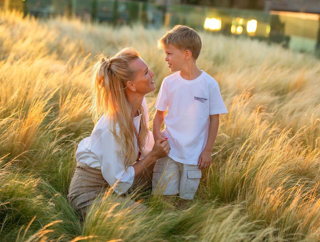 Олеся Судзиловская: первое фото младшего сына за 5 лет