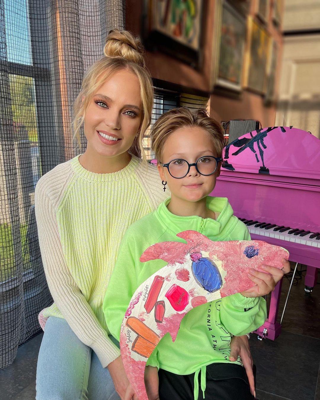 Певица Глюкоза: самый дорогой подарок для 10-летней дочки - первый поход в Макдональдс
